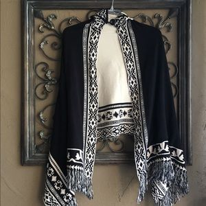 Reversible Black and Creme Cape